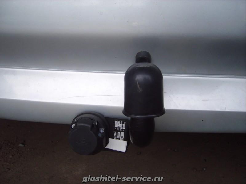 Установка фаркопа Avto-Hak O54 на Toyota Picnic