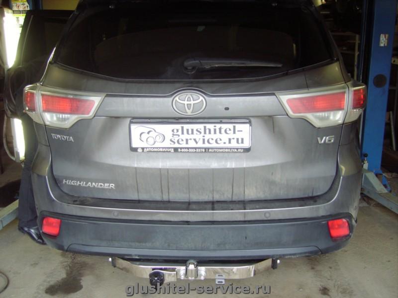 Установка фаркопа Балтекс на Toyota Highlander 2015