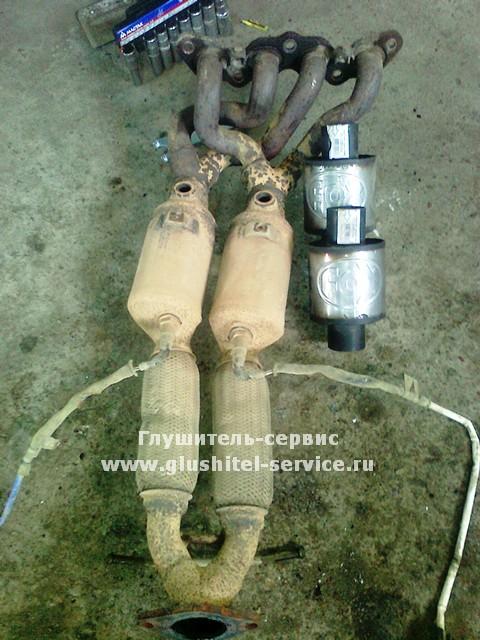 Вид до замены катализаторов на пламегаситель и гофр на Ford Focus 2 в Глушитель-сервисе www.glushitel-service.ru