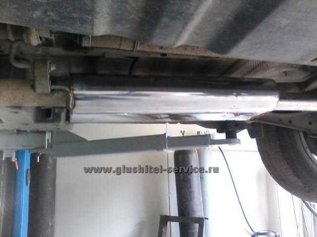 Тихий глушитель из нержавейки на Toyota RAV4