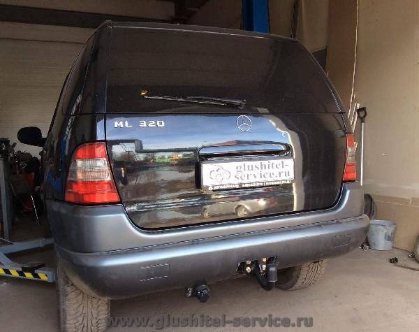 Установить фаркоп Auto-Hak D23 на Mercedes ML320 W163
