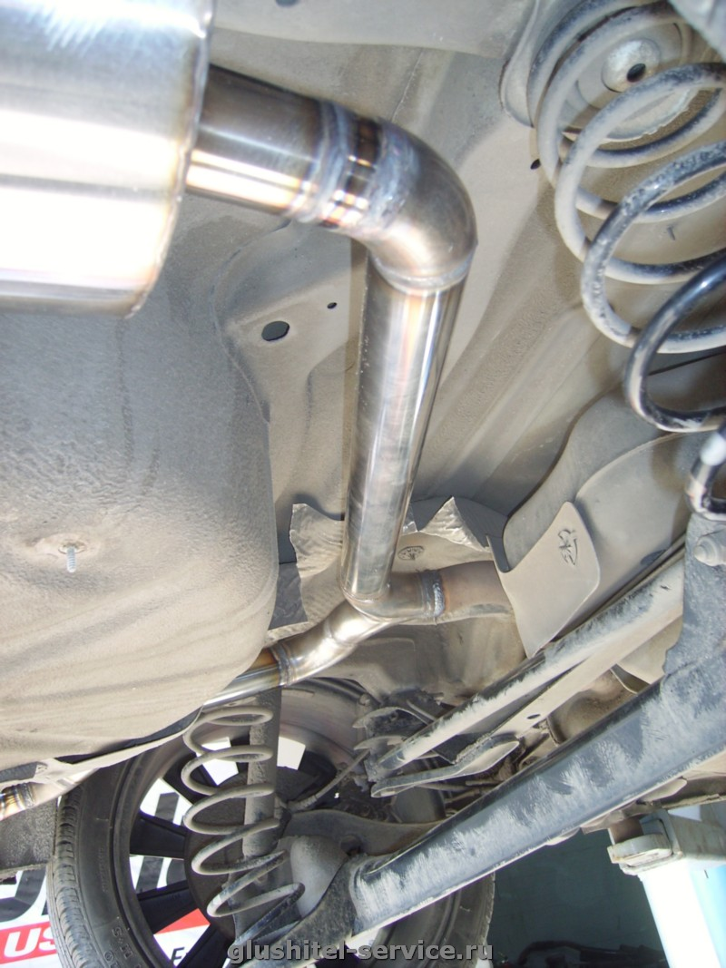 Установка выхлопной системы на Volkswagen Jetta
