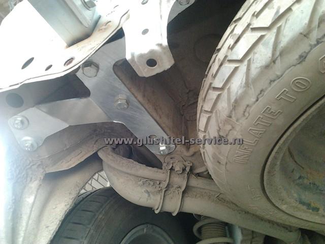 Установка фаркопа Galia T053A на Toyota Corolla Verso в glushitel-service.ru