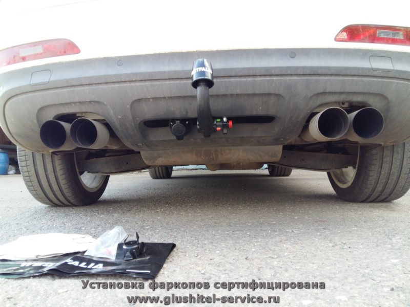 Установка фаркопа Westfalia на Audi Q3