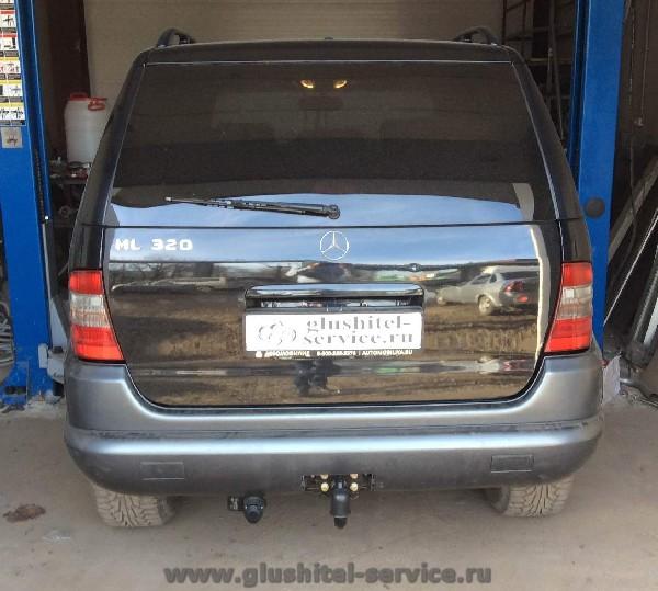 Фаркоп Auto-Hak D23 на Mercedes ML320 W163 в glushitel-service.ru